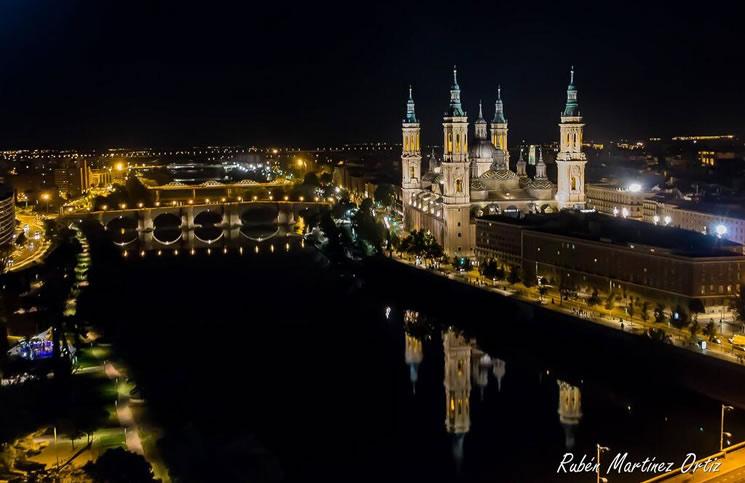 El Pilar de Zaragoza, el Ebro y el Puente de Piedra vistos desde la Noria Princess