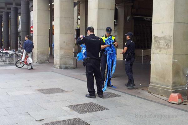 Policía entorno al Pilar