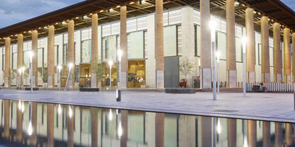 En el Auditorio de Zaragoza puedes encontrar una Oficina de Turismo.