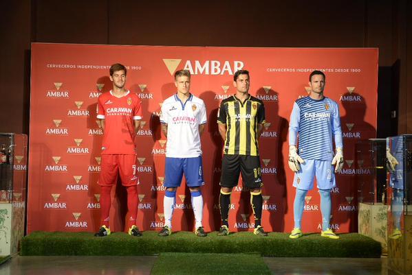 Presentación de la nueva equipación del Real Zaragoza en la temporada 2015-2016