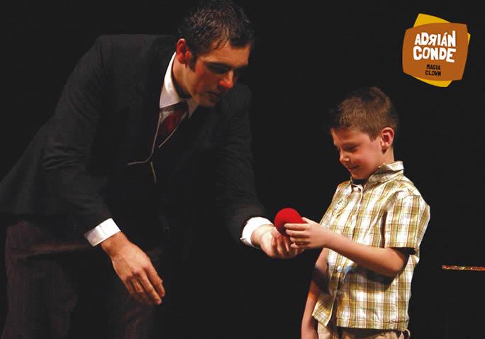 Adrián Conde, uno de los magos participantes en el Festival de Magia ZaraCadabra de Zaragoza