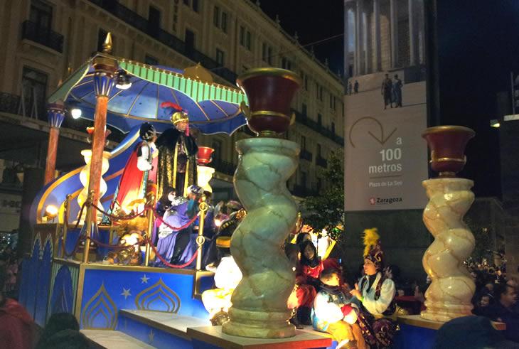 Carroza de los Reyes Magos en la Cabalgata de Zaragoza