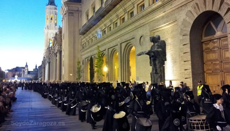 Calendario Perpetuo Semana Santa.Procesiones De Jueves Santo En Zaragoza Semana Santa 2020