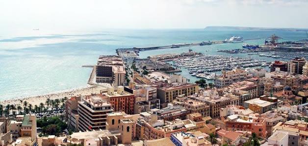 Imagen aérea de Alicante donde habrá vuelos directos a Zaragoza.