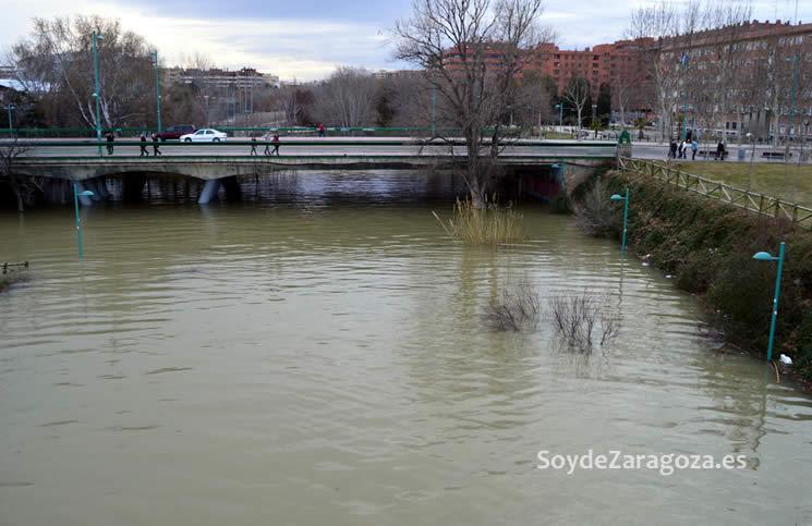 La desembocadura del Huerva está 'inundada' por el agua del Ebro