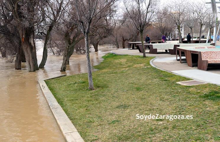 Las zona del merendero de la Expo está completamente inundada.