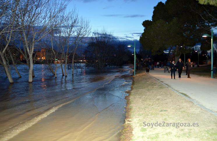 La zona más cercana al río de la arboleda de Macanaz está inundada