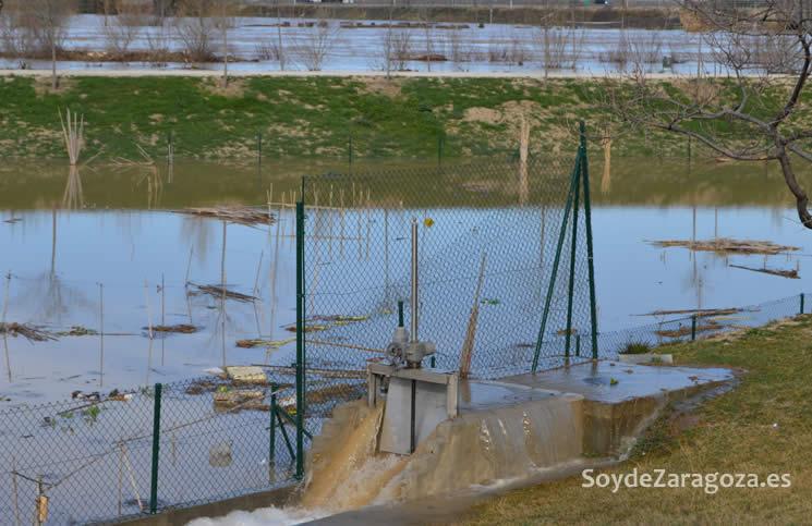 acequia-parque-agua-desbordada-crecida-extraordinaria-ebro