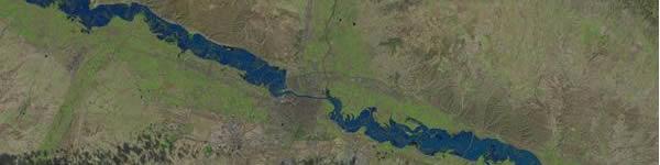 Una de las imágenes de satélite que muestran el desbordamiento del Ebro