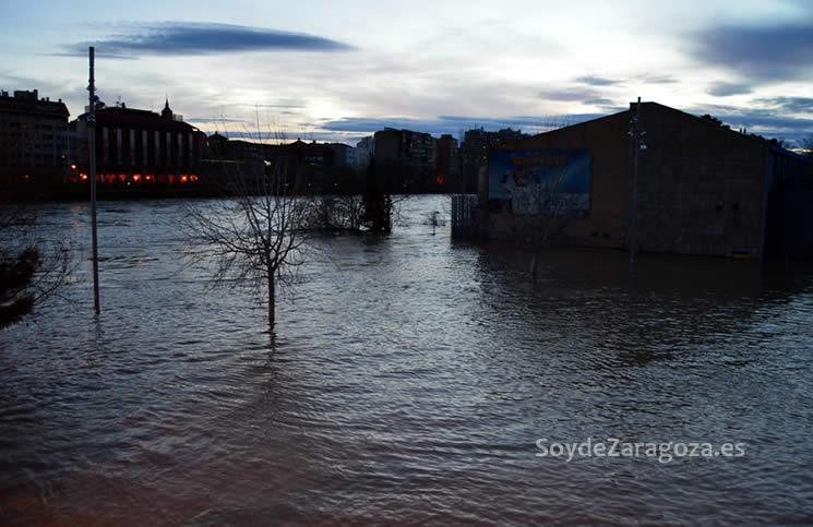 playa-helios-inundacion-noche