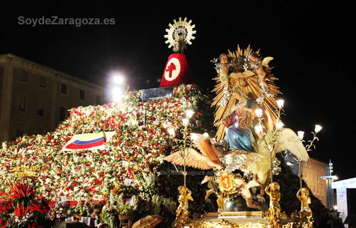 La Virgen en el Rosario de Cristal.