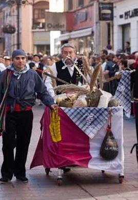 Ofrenda de Frutos a la Virgen del Pilar el 13 de octubre en Zaragoza.