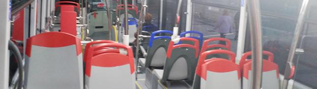 Interior de uno de los nuevos autobuses de Zaragoza.