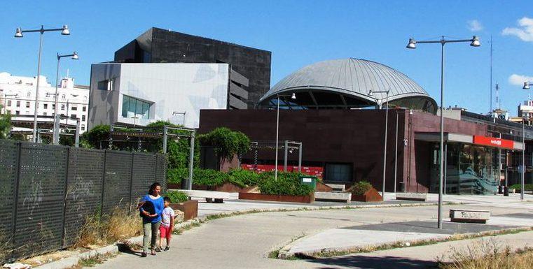Estación de El Portillo junto al Caixaforum