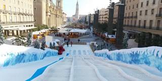 Bajadas en trineo en la plaza del Pilar en Navidad - Horarios y precios