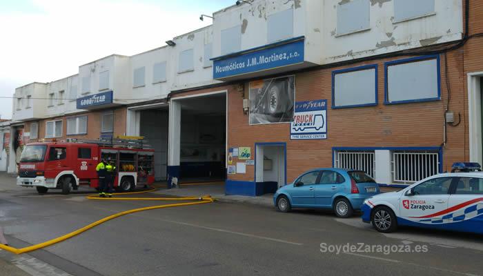 calle-biel-cortada-bomberos-incendio-fabrica-asinez