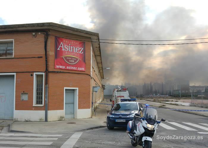 -naves-industriales-ardiendo-calle-biel-zaragoza