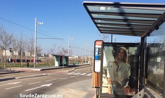 Parada de las líneas 54 y 59 de las lanzaderas del tranvía de Zaragoza