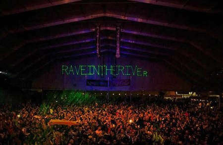 rave in the river parking norte
