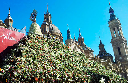 Ofrenda de flores a la Virgen del Pilar 2016