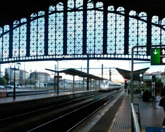 trenes de zaragoza a galicia tiempo de viaje