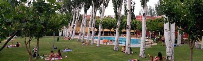 Piscina en el cdm gran v a 39 la h pica 39 de zaragoza for Tarifas piscinas municipales zaragoza