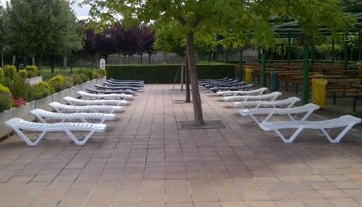 Piscina en el centro deportivo municipal de la granja for Piscinas cubiertas municipales zaragoza